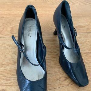 East 5th Navy Blue Mary Jane Heels